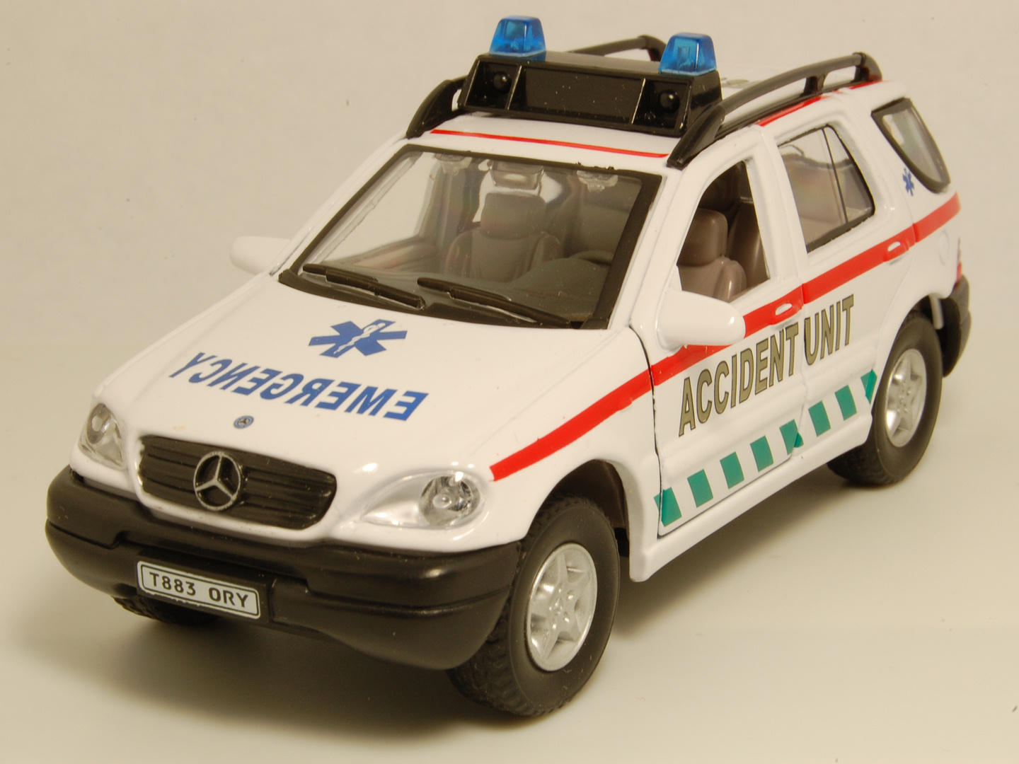 Cararama hongwell mercedes benz for Mercedes benz emergency